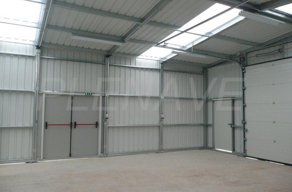 Avantage d'un bâtiment industriel utilisé comme hangar ?